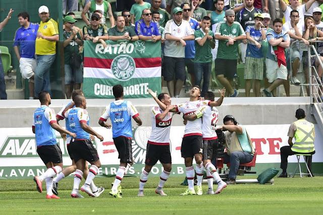 Ederson entrou no intervalo e fez dois gols em 11 minutos (Foto: Fernando Dantas/Gazeta Press)