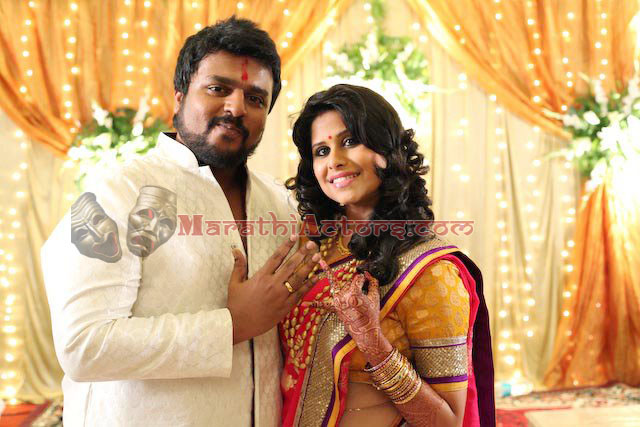 marathi actor and actress sai tamhankar and amey wedding photos