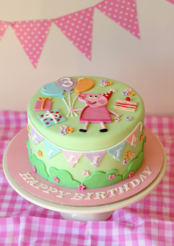butter hearts sugar: Pastel Peppa Pig Cake