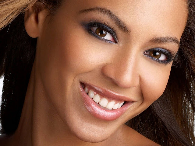 Beyonce Knowles Biography and Photos Gallery 2011