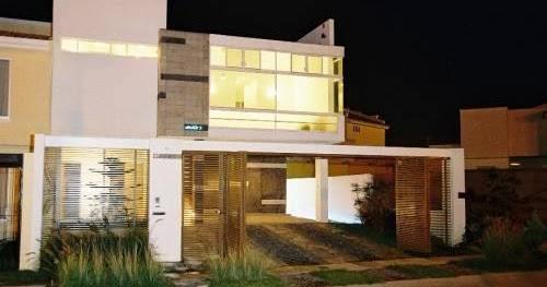 Fachadas de casas modernas residencia moderna con cochera for Casa moderna ud