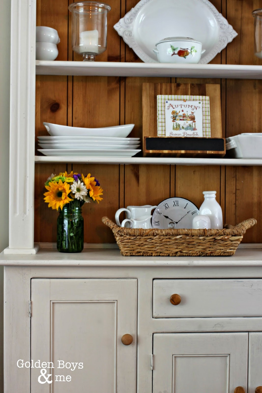 Farm style hutch painted with chalk paint-www.goldenboysandme.com