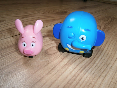 Zooter and Ellyvan from jungle junction toys in the large playset