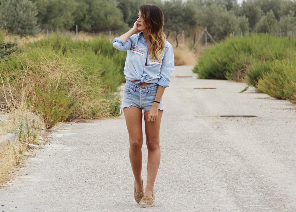 rocio, osorno, denim, jeans, design, diseño, ootd, outfit, desire, shop, levis, mechas, californianas, camisa, blogger, instablogger
