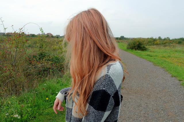Bleach London Super Cool Colours Awkward Peach Lauren