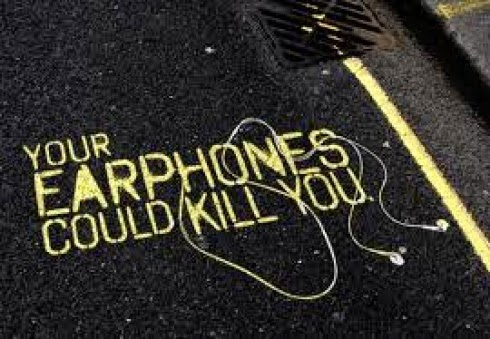 Headphones are a danger to life