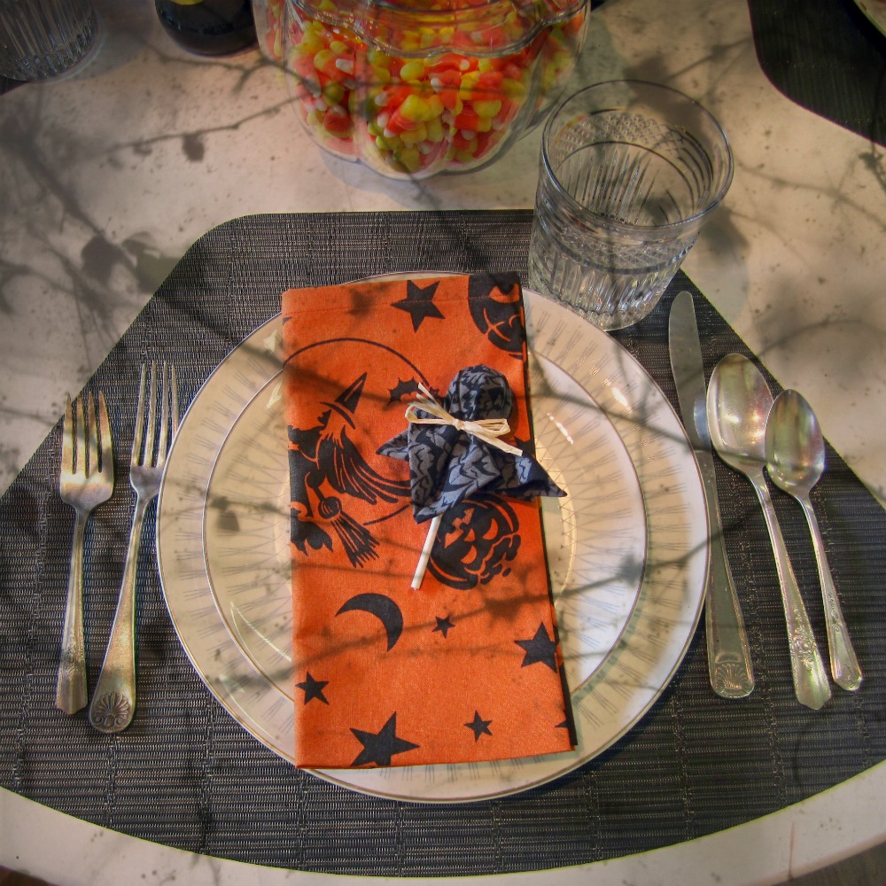 Halloween Table Setting & Picking Daisies Modern Quilting Sewing Fabric + Napkins: Halloween ...