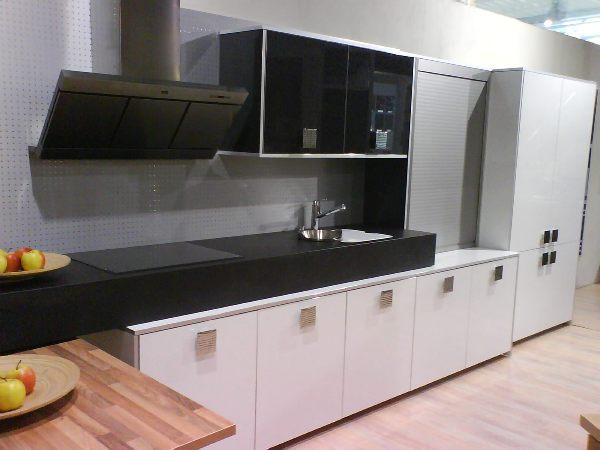 Mueble mar ltda for Muebles de cocina con persiana