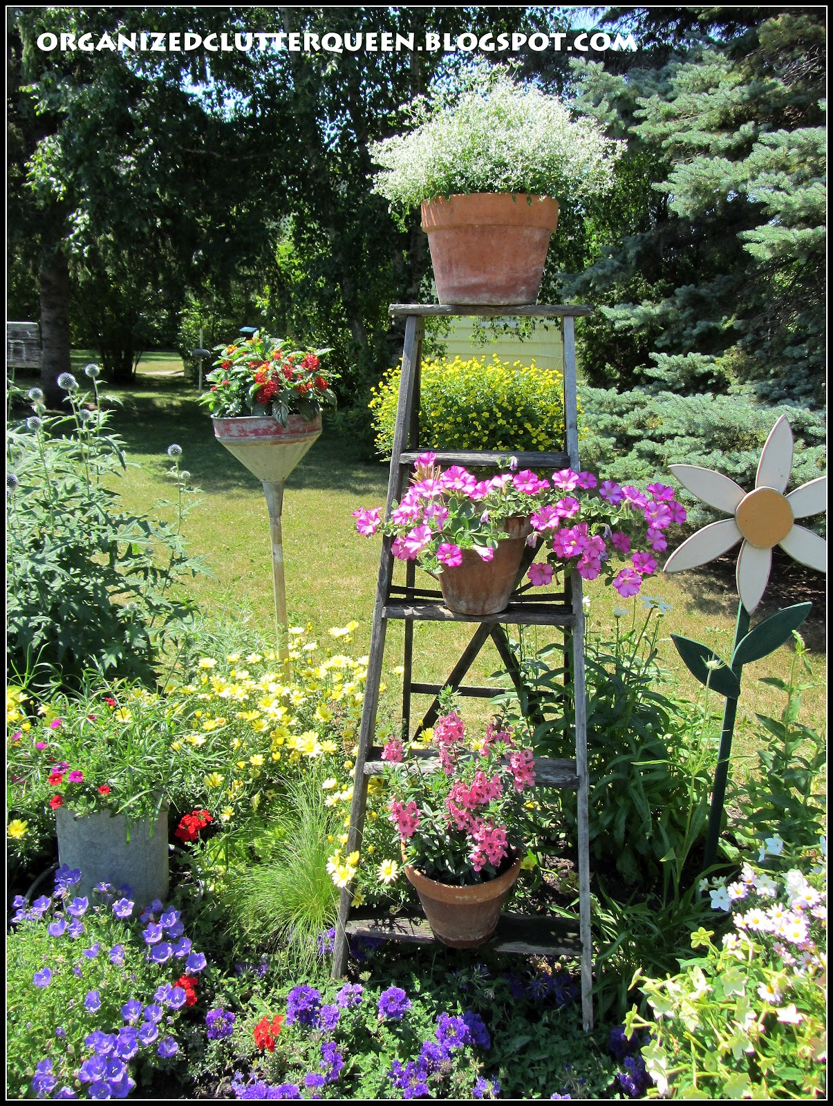 The front yard flower border organized clutter - Flowers for the front yard ...