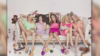 Jennifer Lopez, Anna Kendrick, Elizabeth Banks, Brooklyn Decker and ...