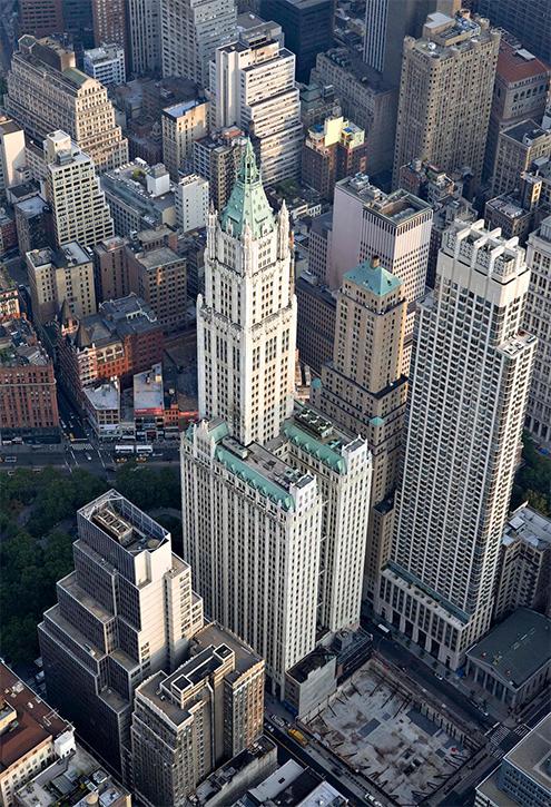 para poder apreciar la verdadera magnitud y dimensin del edificio woolworth de nueva york deberamos recuperar las fotografas antiguas ya que hoy da