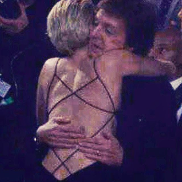 Miley Cyrus y Paul McCartney en los Grammy Awards 2015