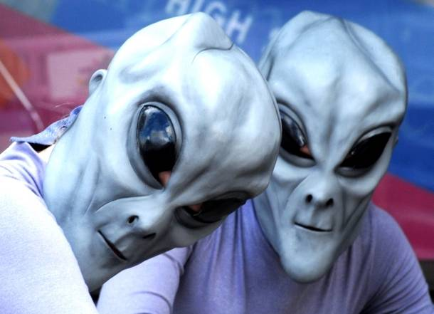 Yπάρχουν εξωγήινα όντα και στο παρελθόν έχουν επισκεφθεί τη Γη