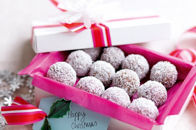 Choc-coconut Christmas balls Recipe