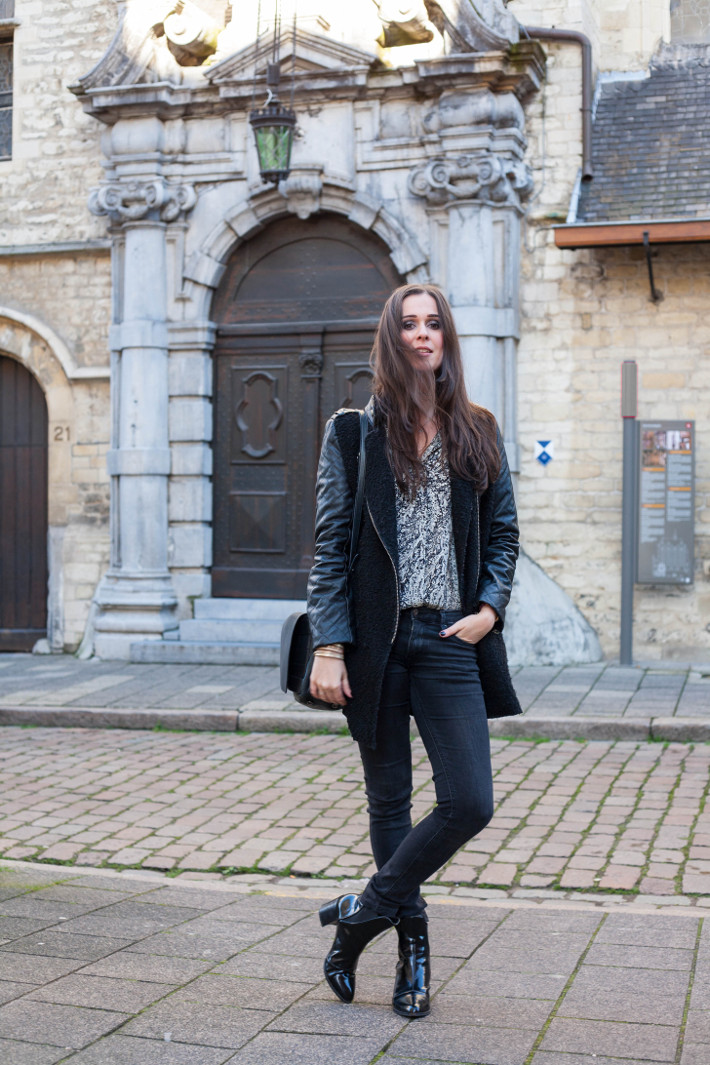 Outfit: rock chic in black and paisley