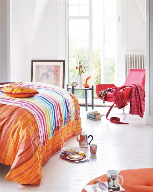 pomarańczowy kolor w sypialni