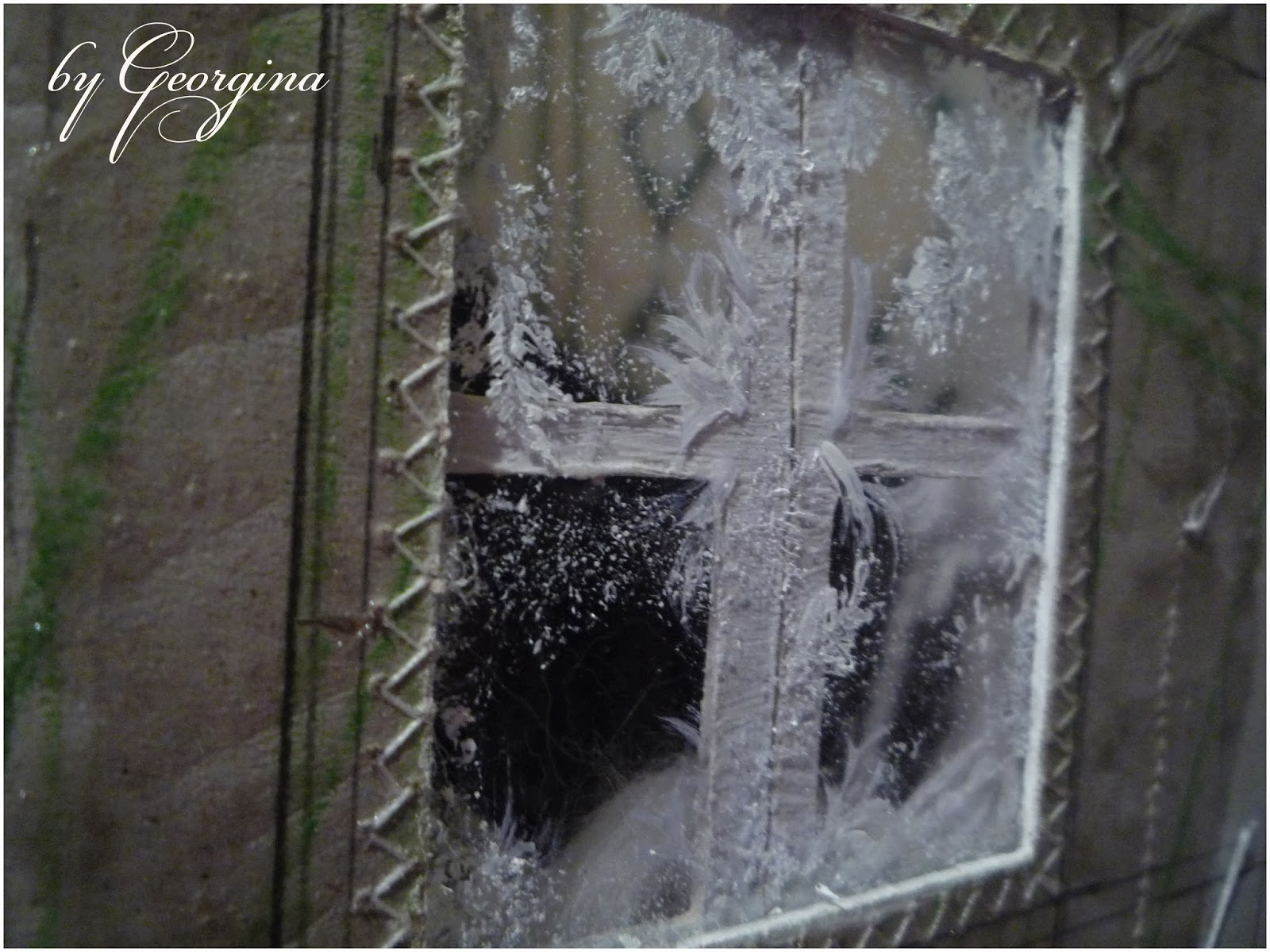 Фото подглядевшее в окно 3 фотография