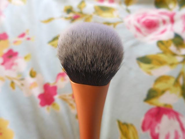 Samantha Chapman Real Techniques Expert Face Brush