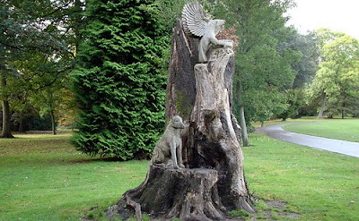 large bute park wood carving