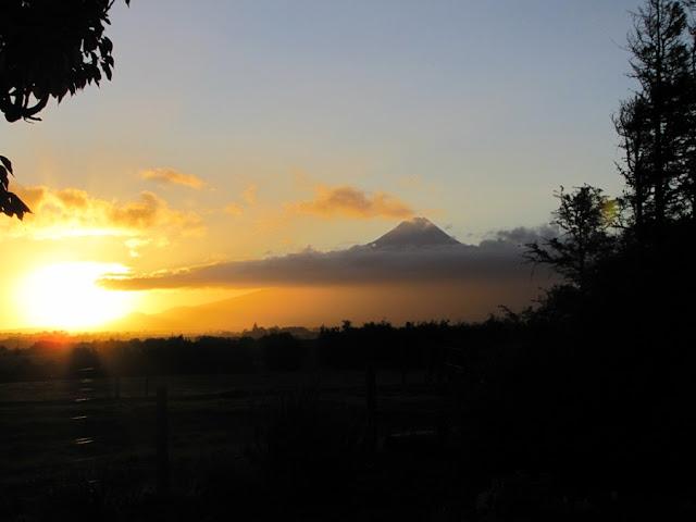 Photographing New Zealand - Autumn Sunset - Photo Friday Link-up