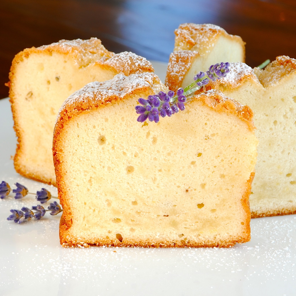 JULES FOOD...: Dump Pound Cake