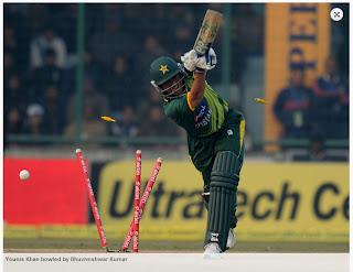 Younis-Khan-bowled-by-Bhuvneshwar-Kumar-INDIA-v-PAKISTAN-3rd-ODI