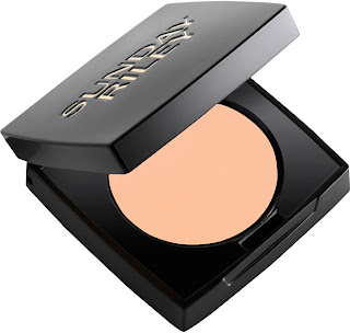 how to put on concealer and powder