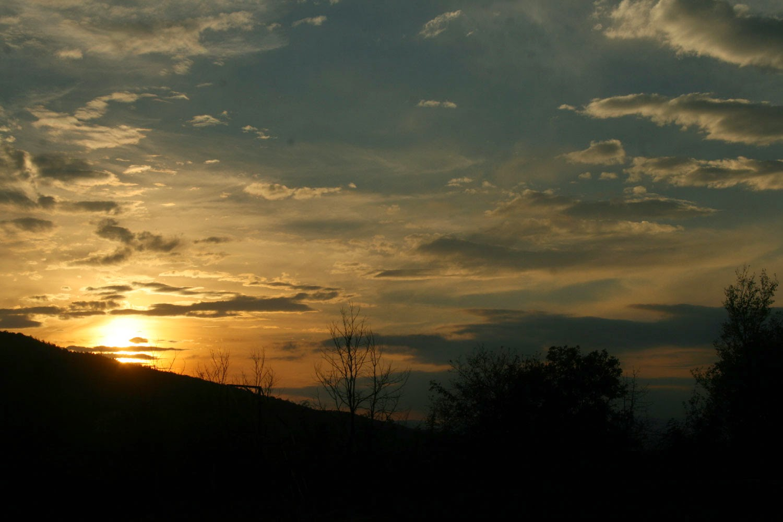 Gorgeous golden sun set