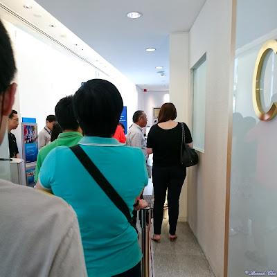 Singapore queue
