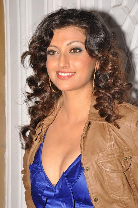 hamsa nandini @ dgmrg 2011 glamour  images