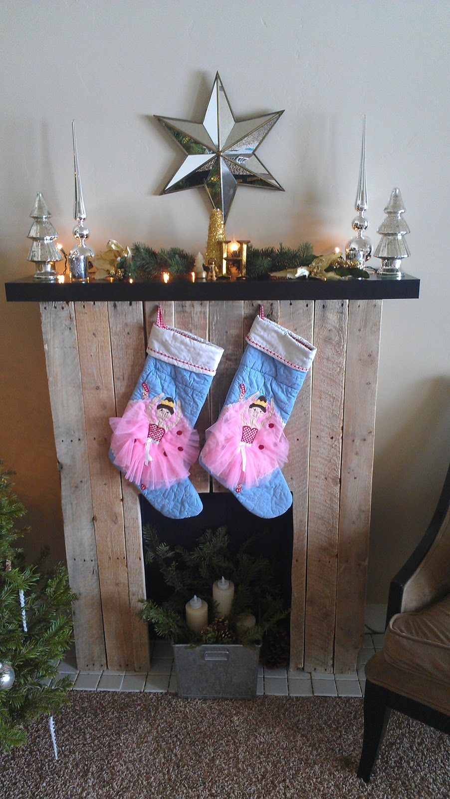 diy pallet fireplace mantle noni u0027s house