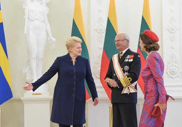 King Carl XVI Gustaf and Queen Silvia of Sweden met with President Dalia Grybauskaitė of Lithuania at the Presidential palace