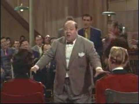 Stubby Kaye singing in Guys and Dolls 1955 movieloversreviews.blogspot.com