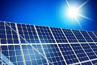 Φωτοβολταϊκά στη στέγη σας; Υπολογίστε τα οφέλη από τη δύναμη του ήλιου και κερδίστε!
