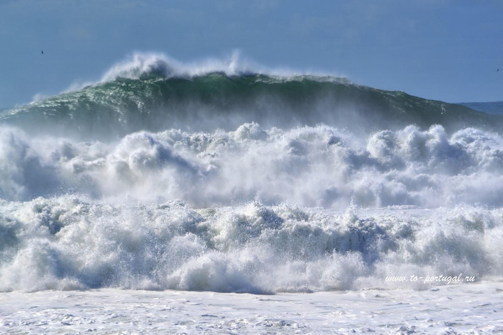 Назаре Португалия большие волны