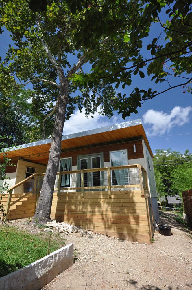 Small prefab homes prefab cabins sheds studios prefab for Prefabricated studio