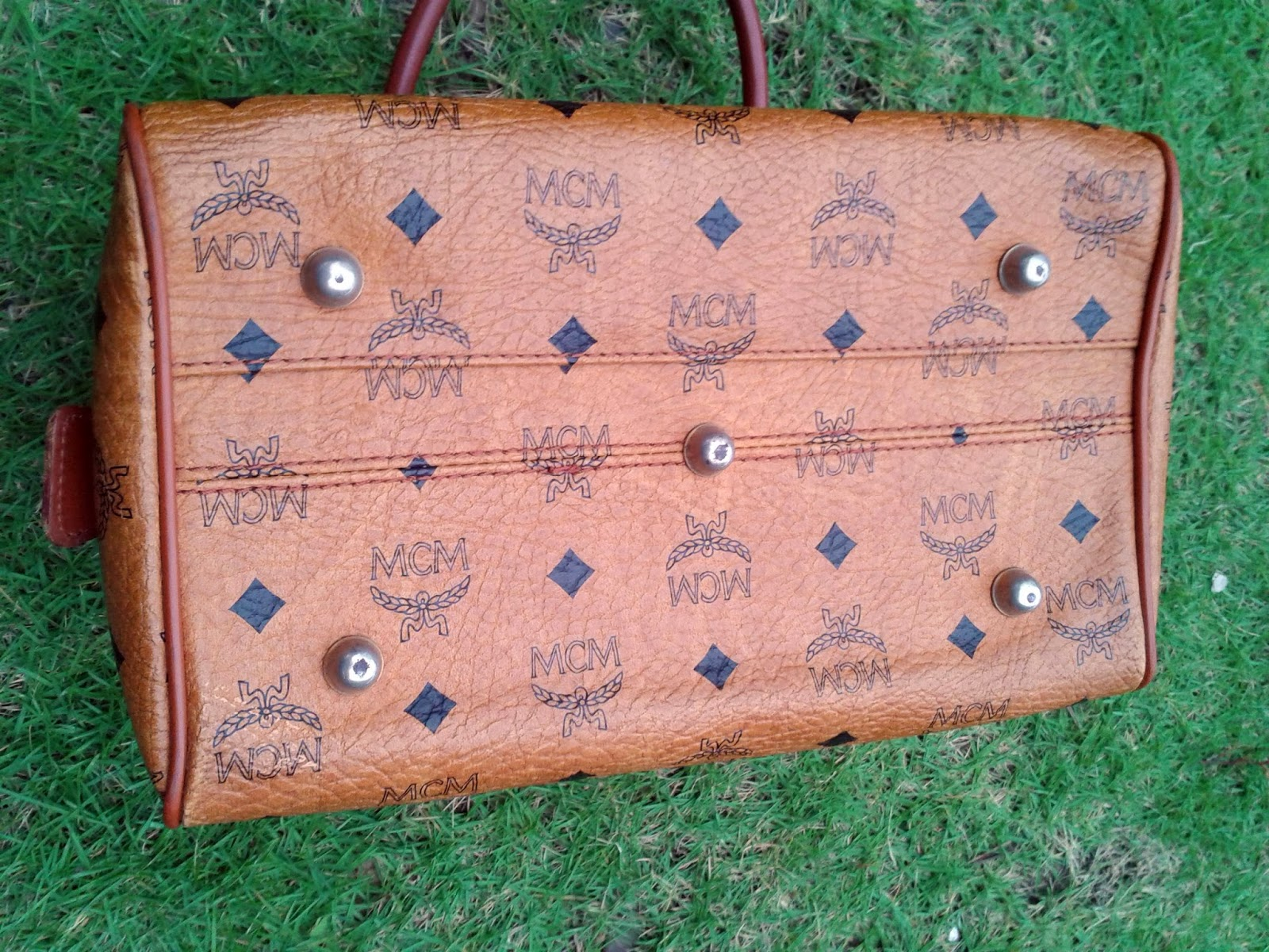 shahril vintage clothing authentic mcm brown leather bag