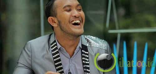 Caesar Si Goyang 'Keep Smile