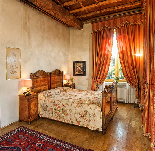 Tuscan Style Decorating Bedroom