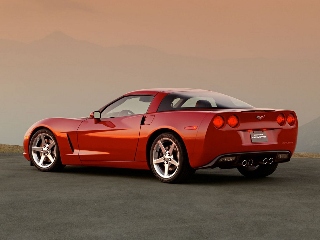 Elegant And Luxury Car Chevrolet Corvette 2005