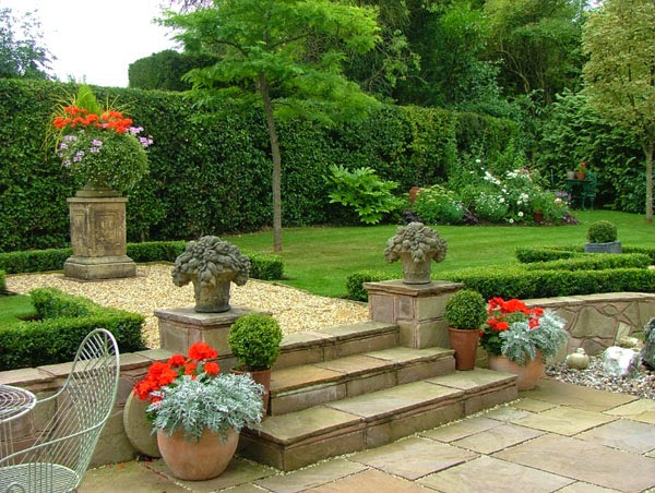 Modern House Garden Designs