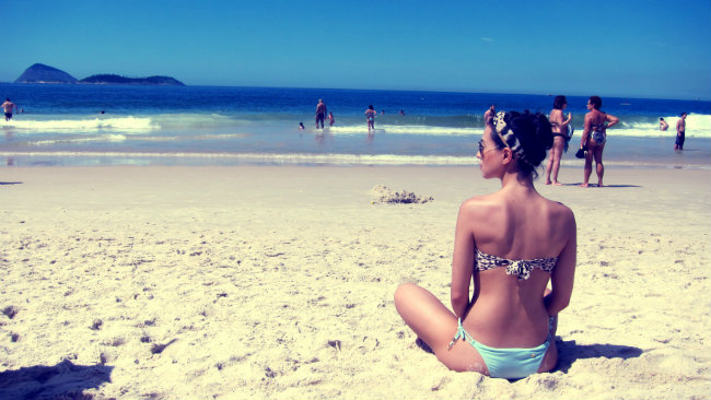 ipanema beach - streetstyle - beach style - biquini cia maritima - accessorize bag - summer trend - looks de verao - summer looks