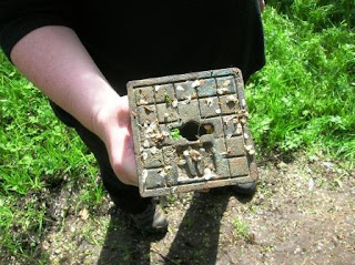 Unusual Geocaches - Water drain cover cache container