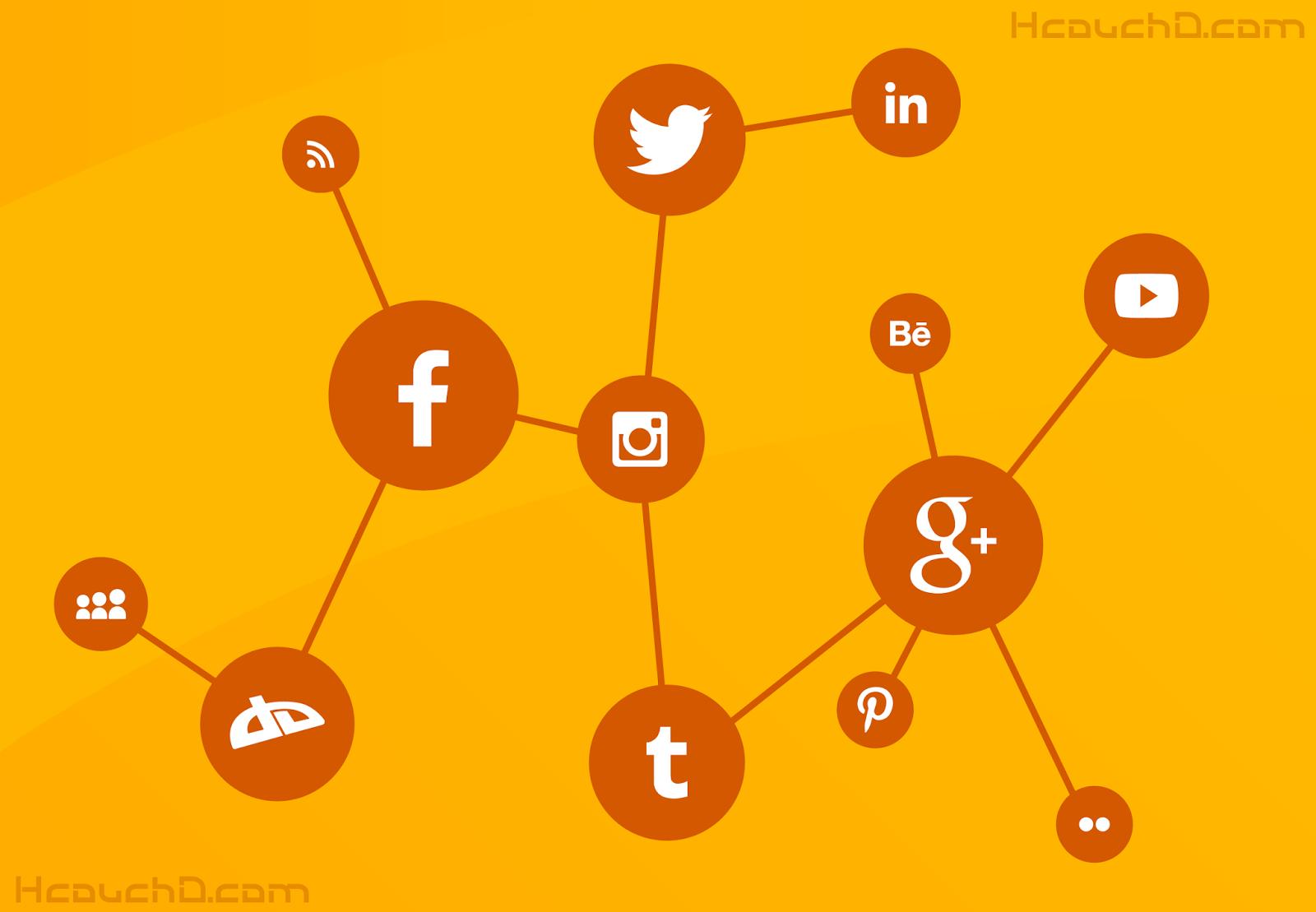 - مواقع التواصل الإجتماعي :