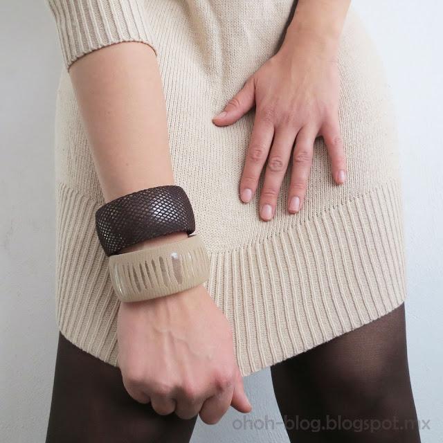 customized plastic bracelet / pulsera de plástico personalizada