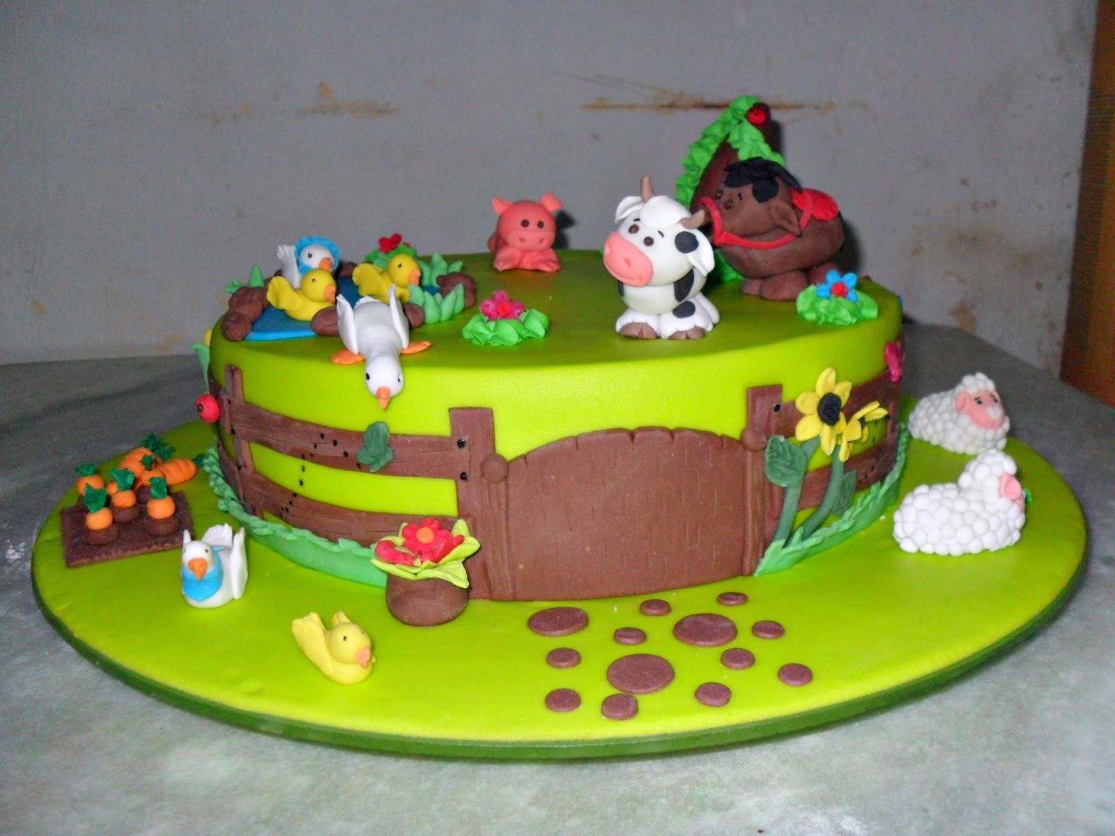 Bolos de aniversário infantil temas das princesas, Minnie