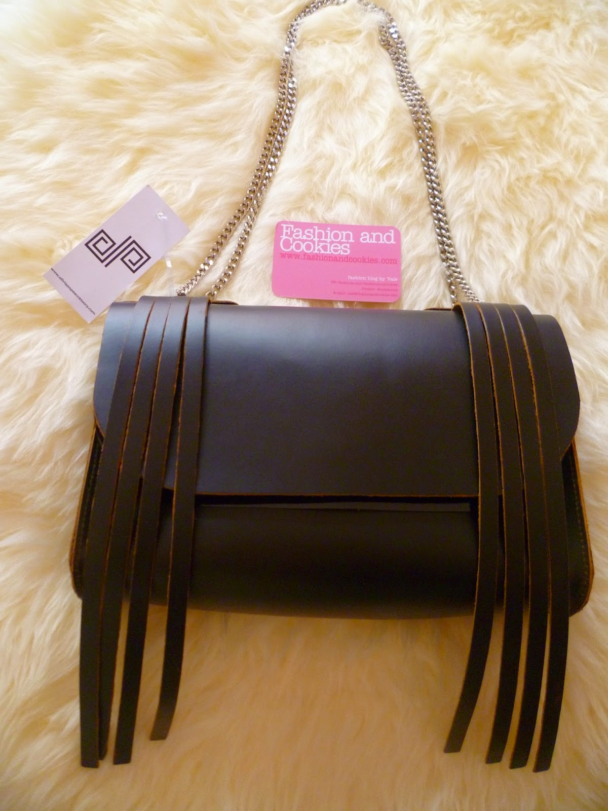 Olivia Pope Accessory, Olivia Pope New York bag, Made in Italy trendy leather bags,  Fashion and Cookies, fashion blogger