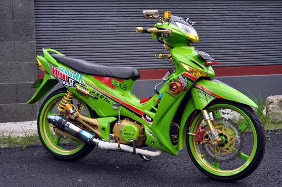 Modifikasi motor honda supra x125 Paling Fungky dan Sporty Terbaru title=