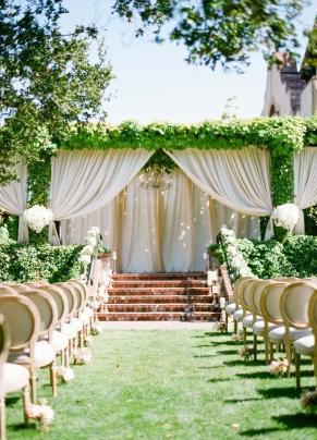 http://www.stylemepretty.com/2015/04/07/dreamy-blush-ivory-sonoma-wedding/