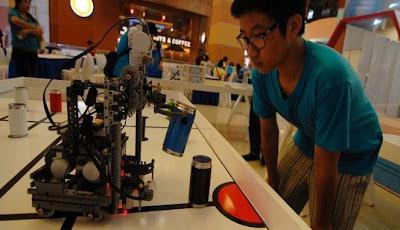 http://www.anzowet.com/2013/04/indonesia-menjuarai-kompetisi-robot-di.html